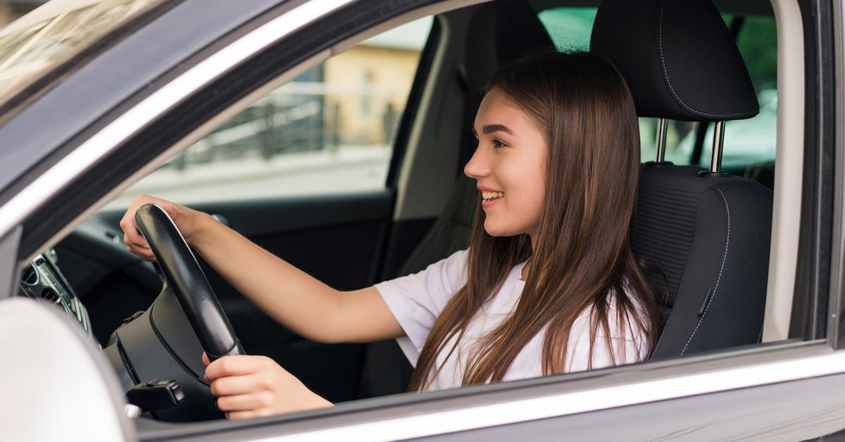 Noleggio auto per neopatentati: conviene davvero?