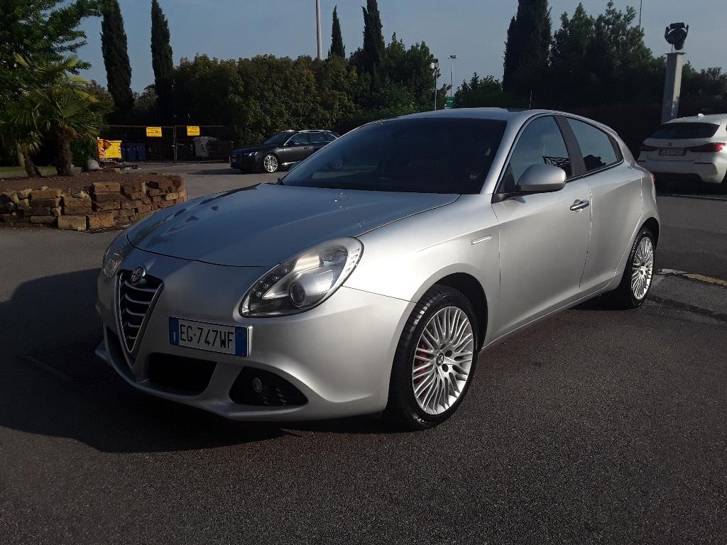 ALFA ROMEO Giulietta  (2010) Giulietta 2.0 JTDm-2 170 CV Distinctive - 1