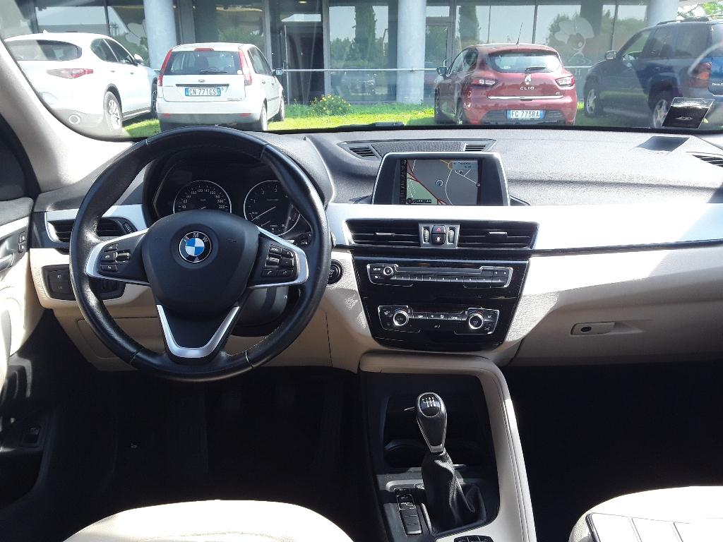 BMW X1            (F48) X1 sDrive18d Advantage - 2