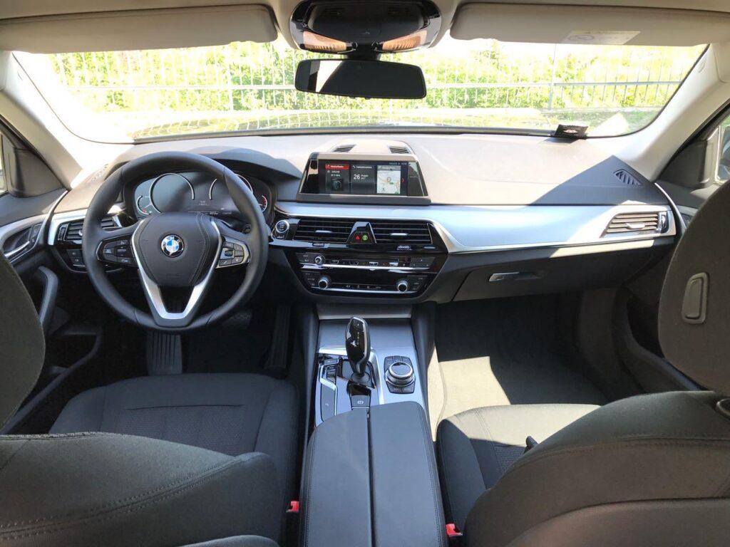 BMW Serie 5   (G30/G31) 520d Business - 2