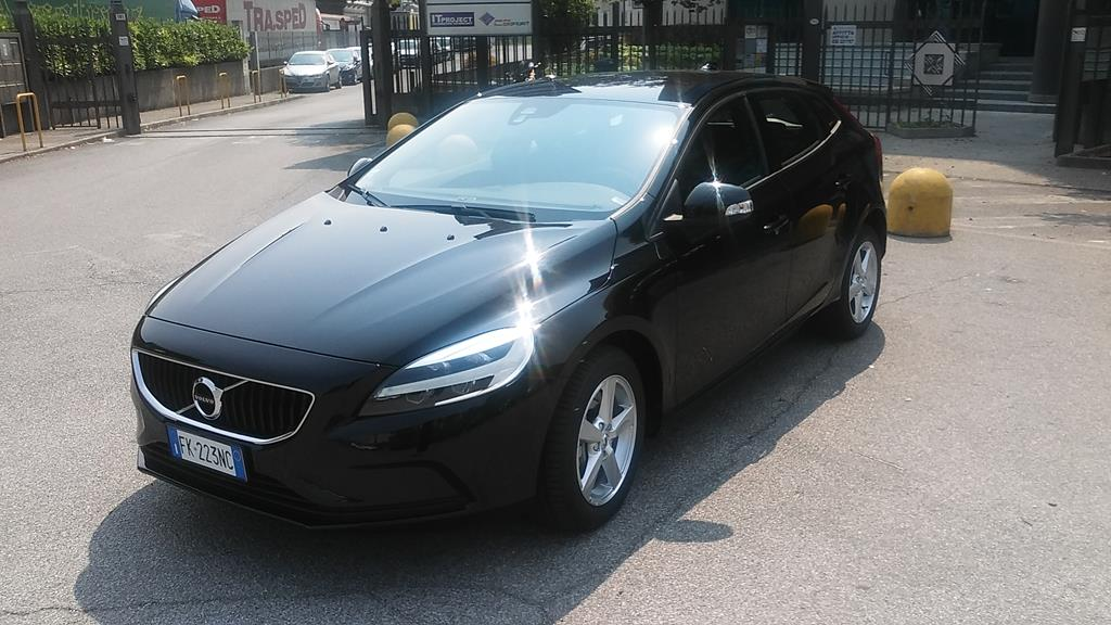 VOLVO V40 (2012-2020) V40 D2 Geartronic Business - 1