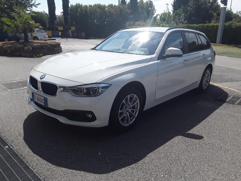 BMW Serie 3   (F30/F31) 318d Touring Business Advantage aut. - 1