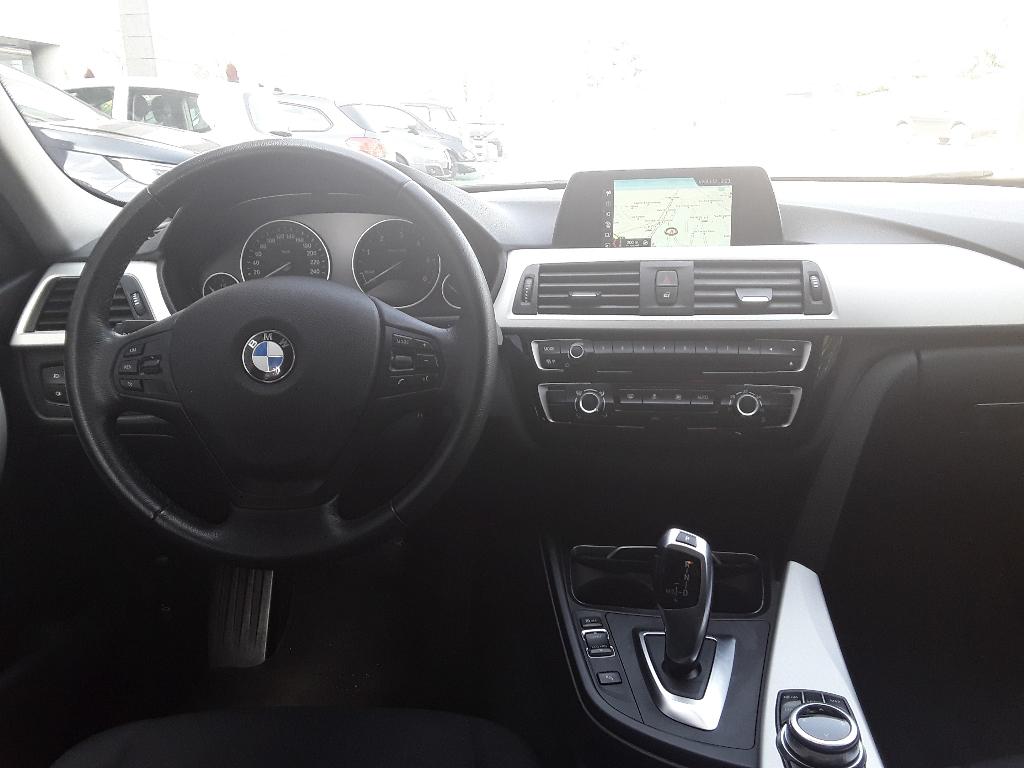BMW Serie 3   (F30/F31) 318d Touring Business Advantage aut. - 2