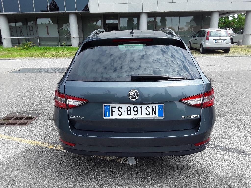 SKODA Superb 3ª serie Superb 2.0 TDI 150 CV SCR DSG Wagon Executive - 3