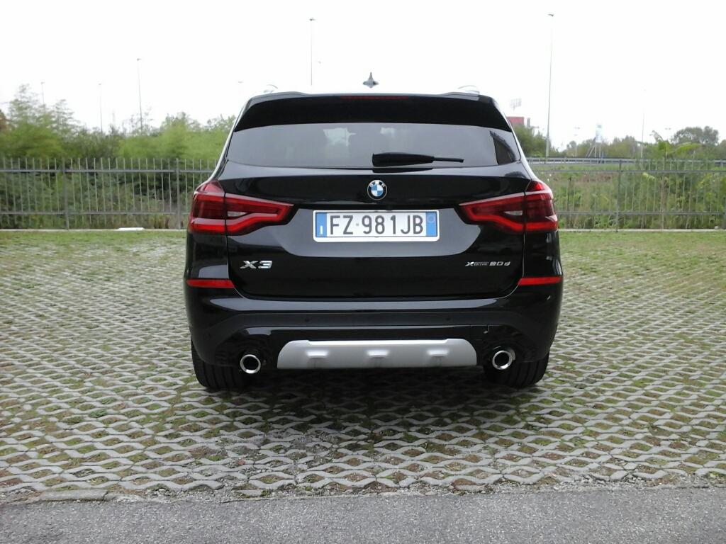 BMW X3        (G01/F97) X3 xDrive20d xLine - 3